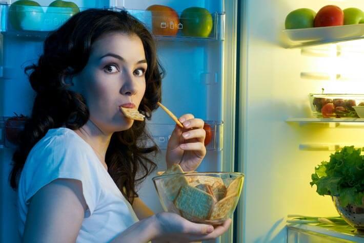 rimedi per gestire gli attacchi di fame emotiva improvvisi